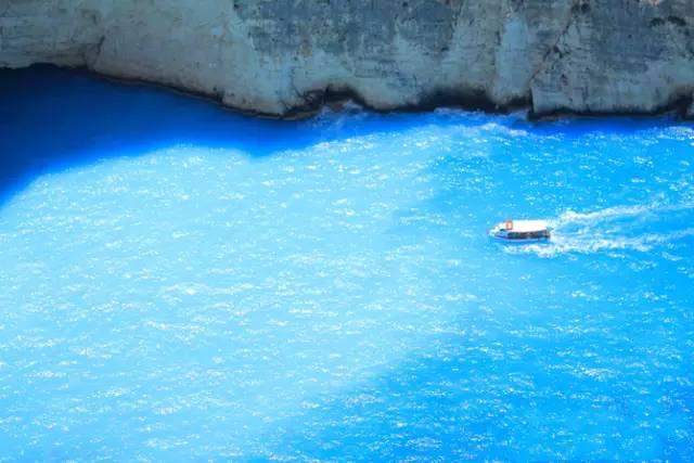 追寻蓝色曼陀林,飘在凯法利尼亚