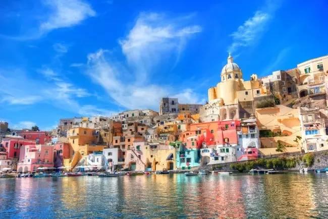 想念一片海,就飞去温暖的地中海过冬