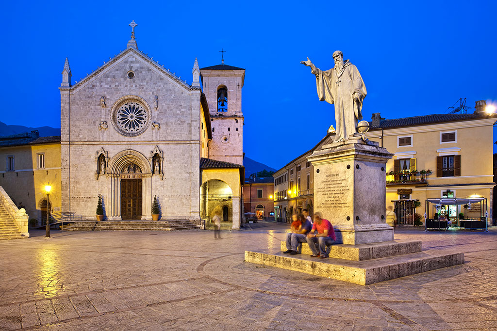 Italy, Umbria, Perugia district, Monti Sibillini NP, Norcia, Piazza San Benedetto.