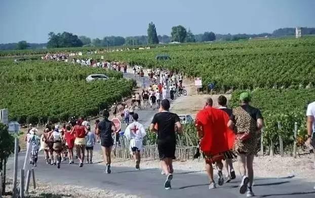 马拉松跑者们心中今生必须体验一次的朝圣之旅