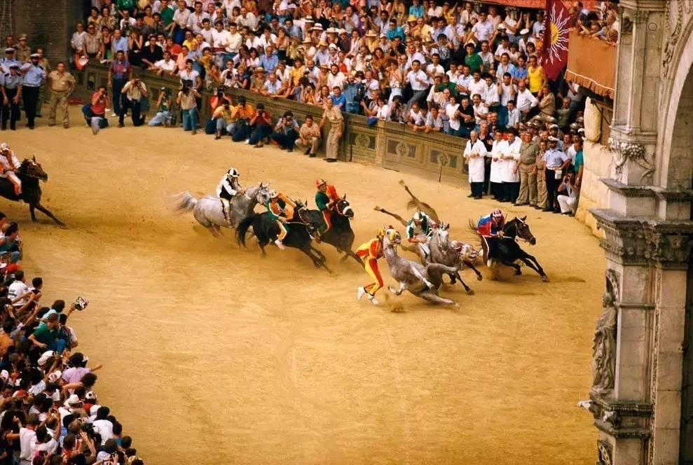 传统赛马节+托斯卡纳田园风光3天尽享之旅