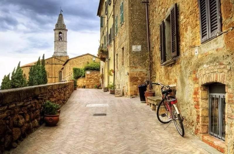 皮恩扎或圣吉米尼亚诺的中世纪风格小镇