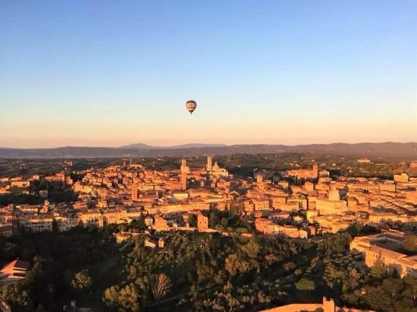 奥尔恰谷热气球高空难忘之旅
