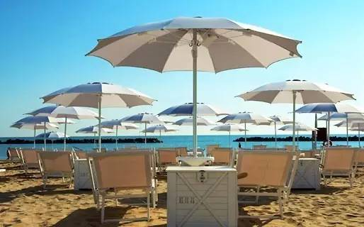 Levante海滩、Ponente海滩、Baia Flaminia海滩和Libera海滩