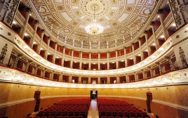 罗西尼歌剧节