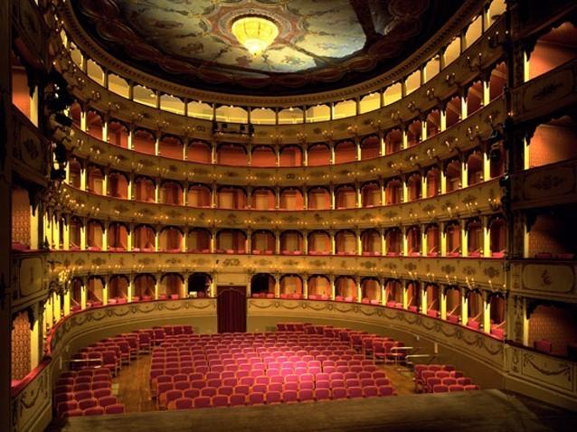 罗西尼剧院