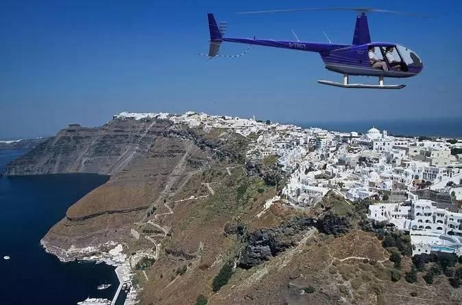 直升机俯瞰圣托里尼全景