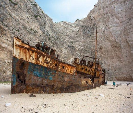扎金索斯沉船海滩