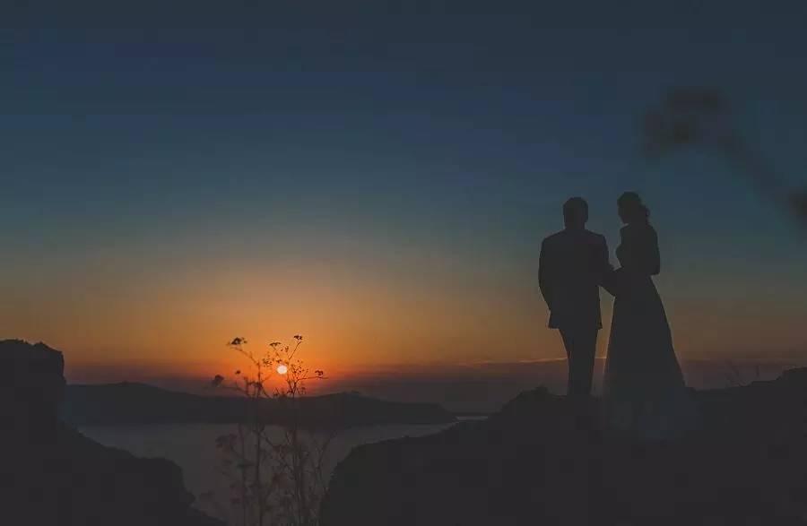用最浪漫的方式来庆祝结婚纪念日