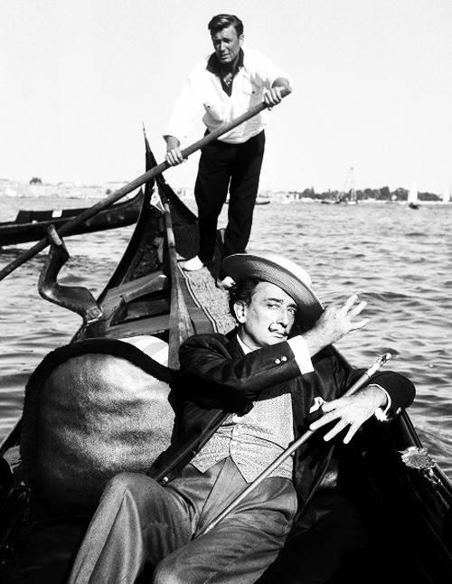 威尼斯电影节则更偏爱艺术与先锋性兼具的作品