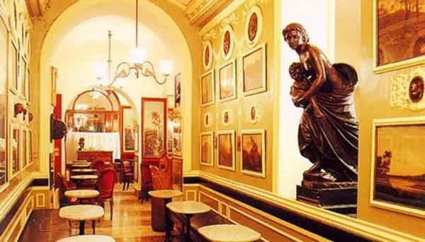 豪华的现代咖啡馆