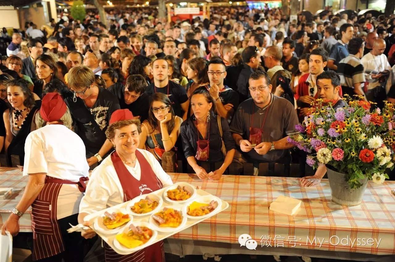 意大利丰收的节庆丰盛的街边小吃