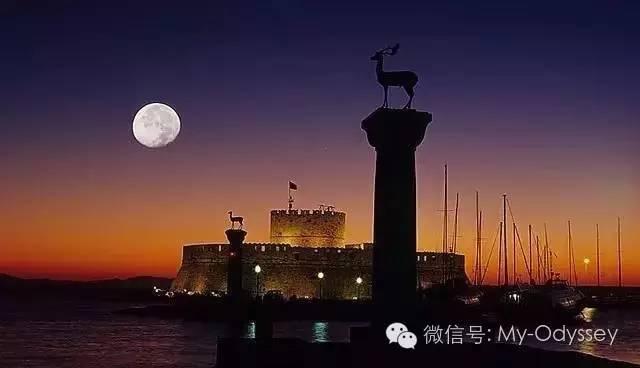罗德岛的月亮