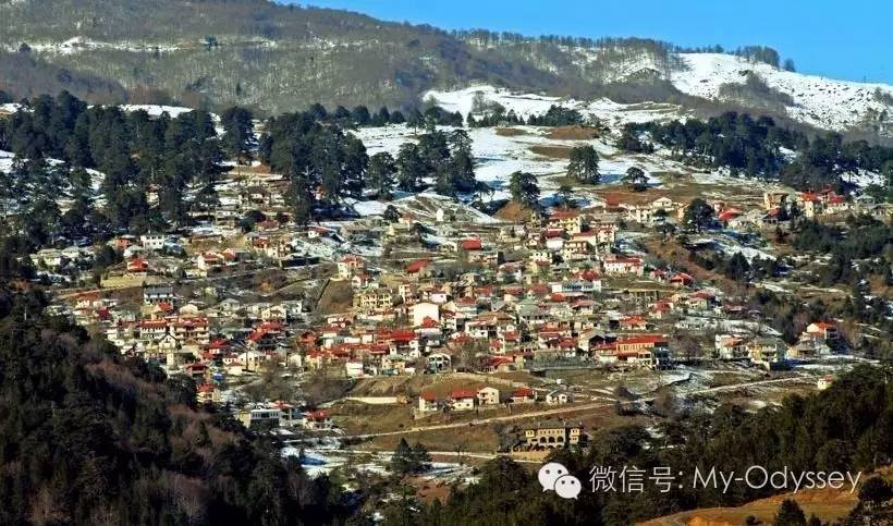 格雷韦纳被Valia Kalda山谷包围