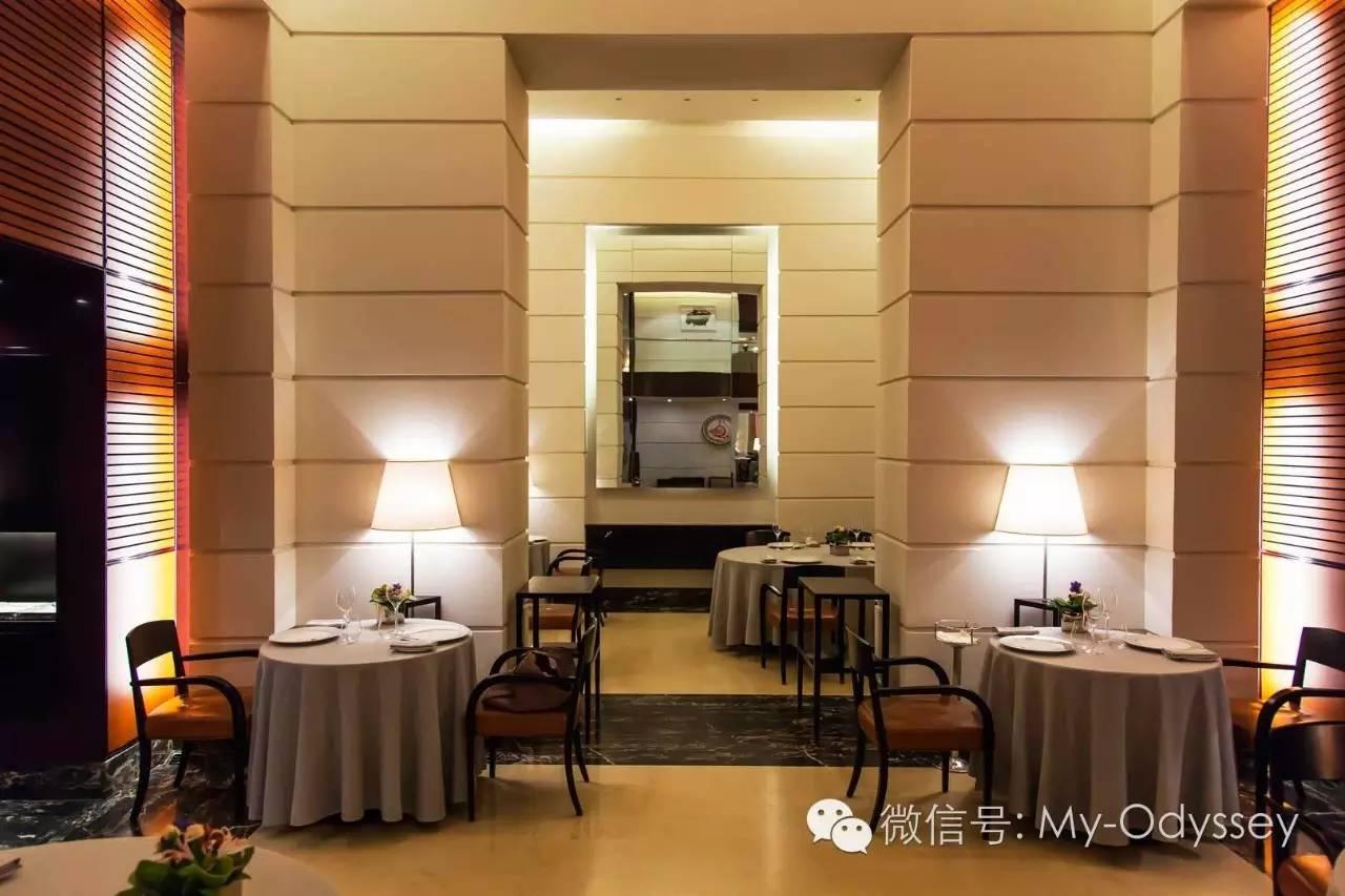 米其林餐厅享用晚餐
