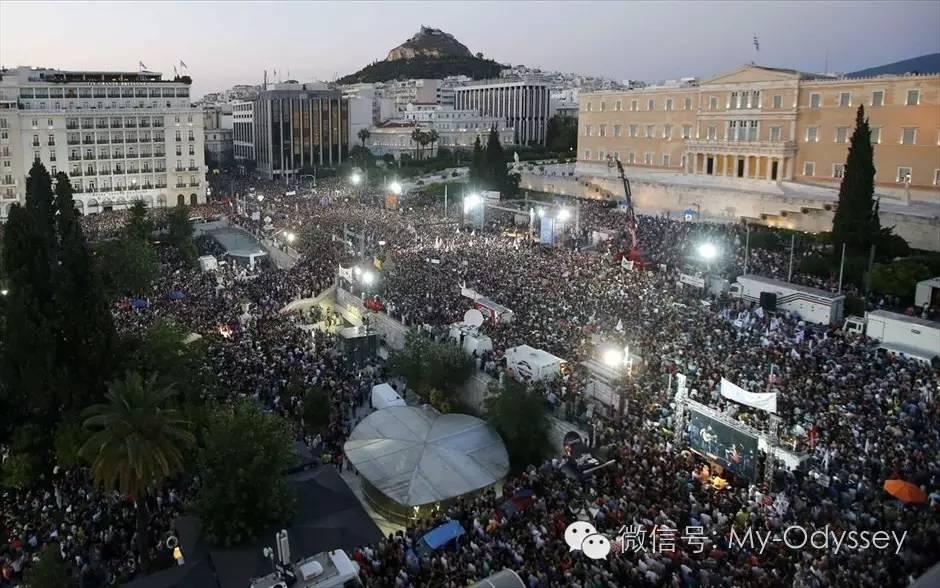 """在希腊国庆大声喊""""不"""""""