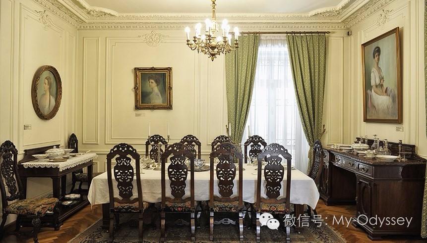 过一把贵族瘾:博物馆复古晚餐