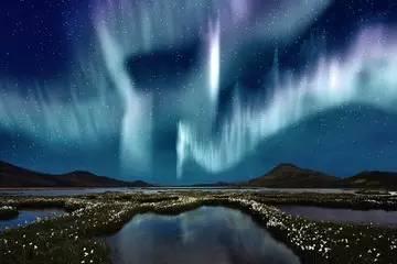 冰岛 · 雷克雅威克(Reykjavik):篝火与极光