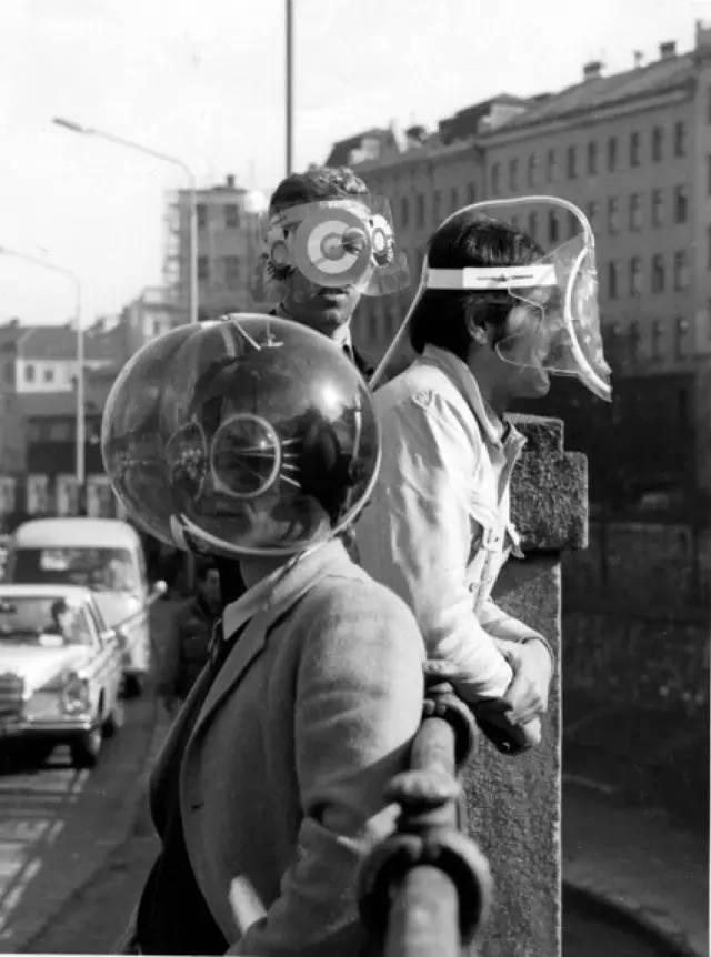 首届文献展(1955年)因展出被纳粹诋毁的艺术而轰动全球